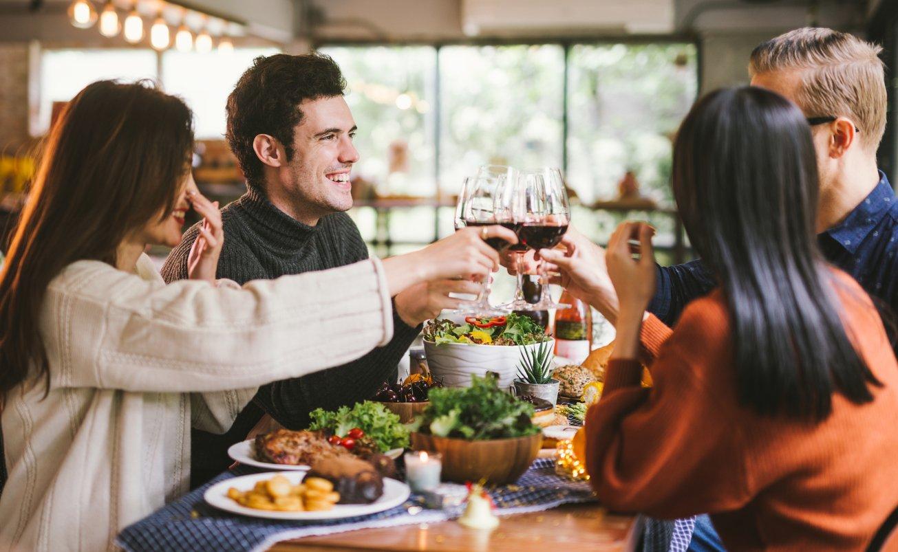 restaurants-open-thanksgiving-2020